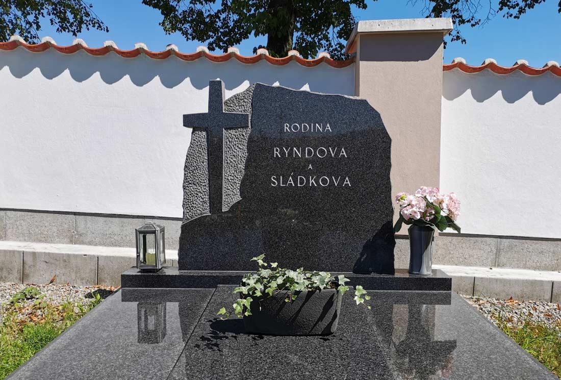 Dvojhrob v Křemži