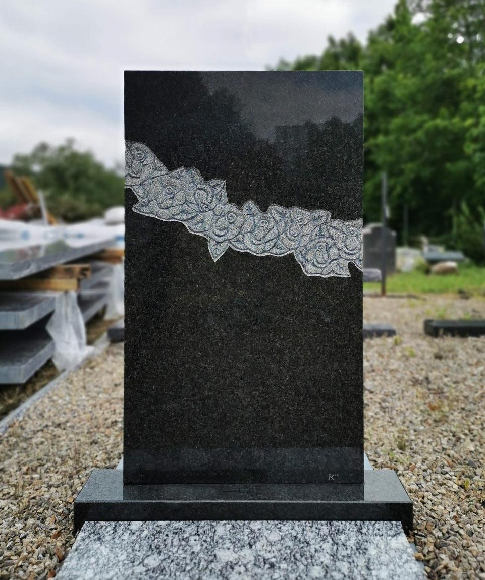 Jednoduchý náhrobní kámen pro jednohrob