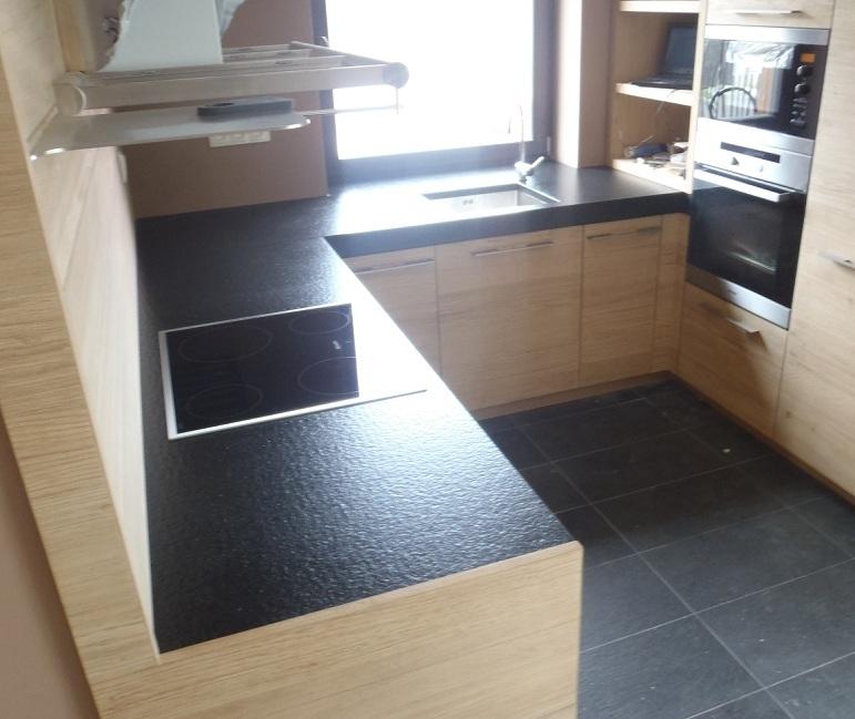 Žulová kuchyňská deska