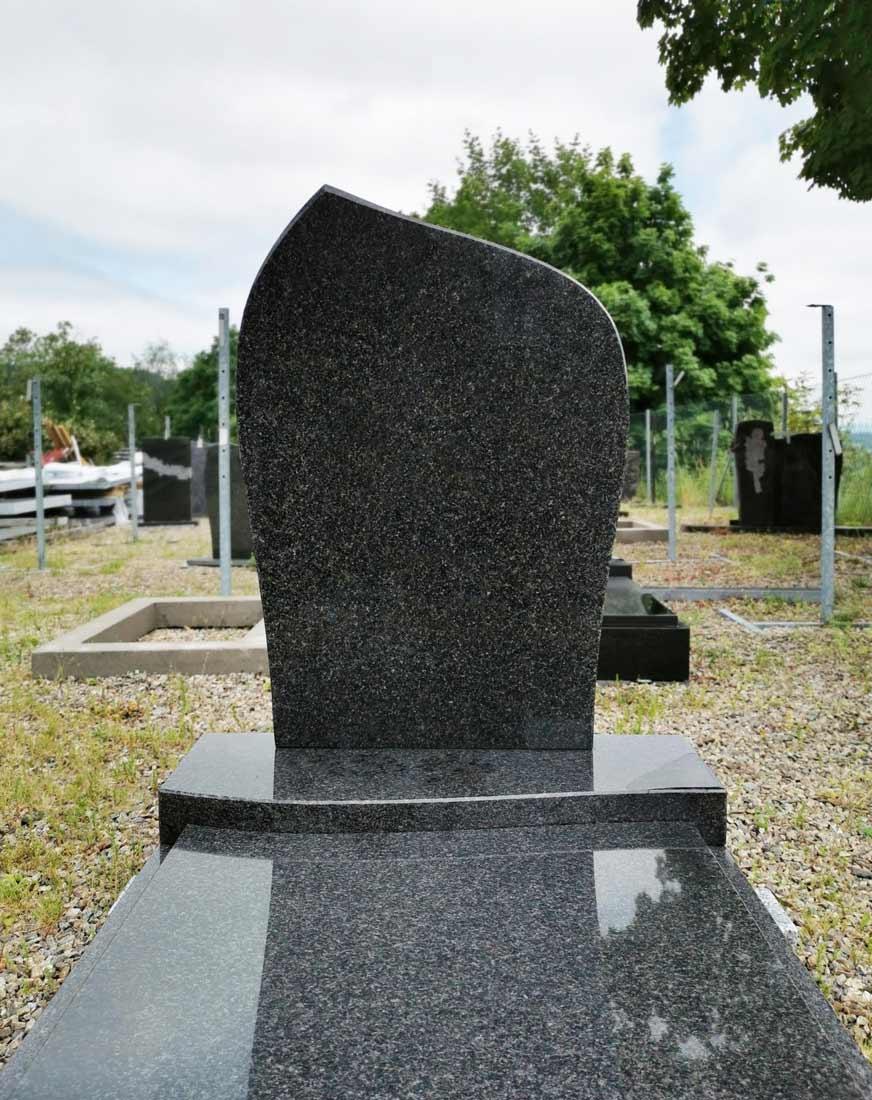 Cenově dostupný urnový pomník