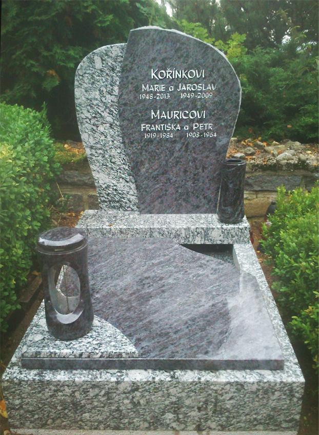 Nový urnový pomník ve Volarech