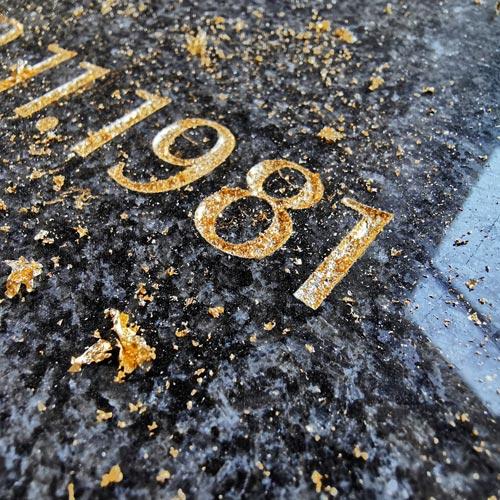 Zlatý nápis, pravé zlato 23,75 karátu